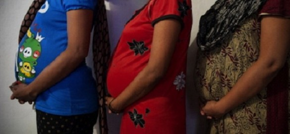 Donne «produttrici » di bimbi. L'india delle madri surrogate