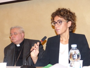 Convegno Economia delle relazioni relatori Frandino Luisa e Mons Mario Toso